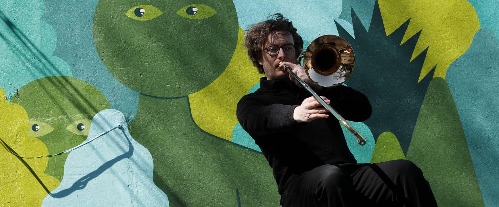 Trombone and aliens - Victoria, BC